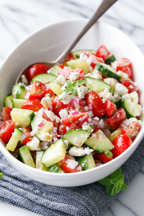 Quick & Easy Cucumber Tomato Salad Recipe - Perfect for summer!